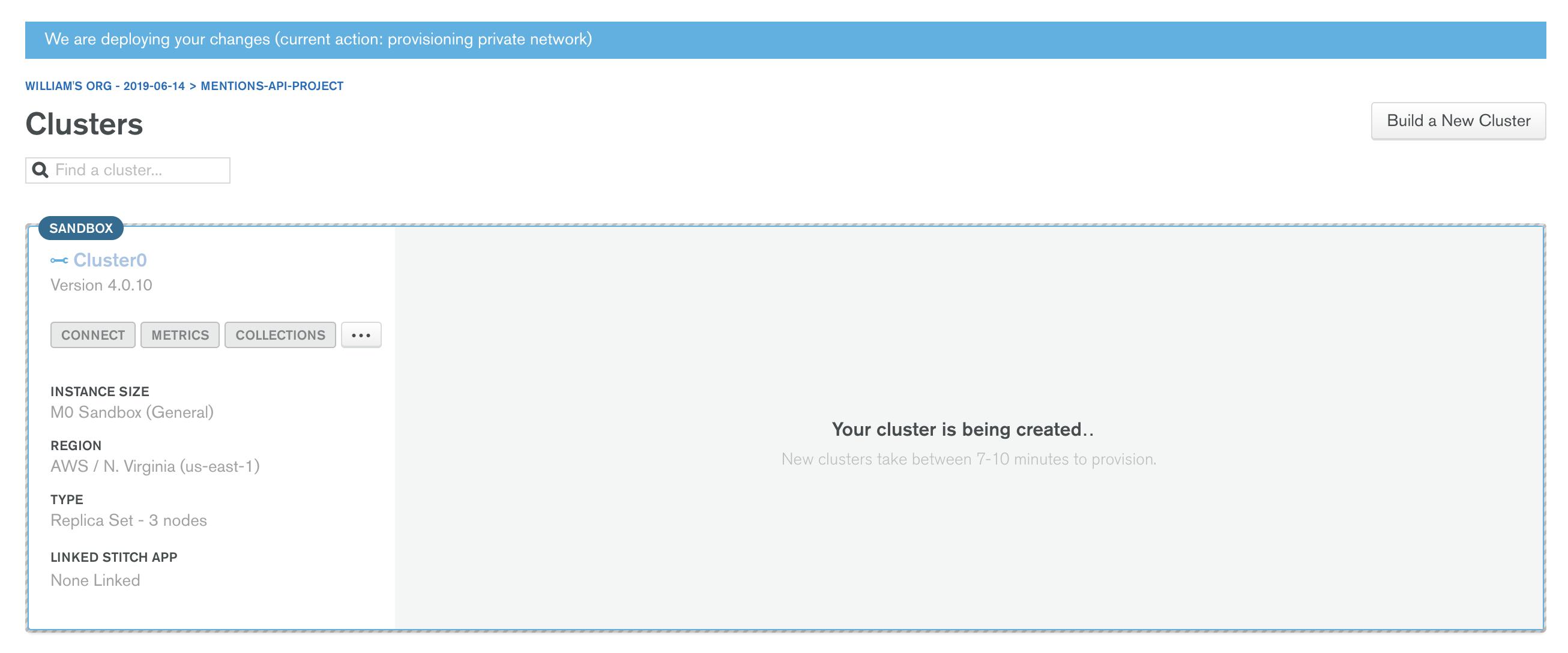 Imagem da mensagem de andamento de criação do Cluster