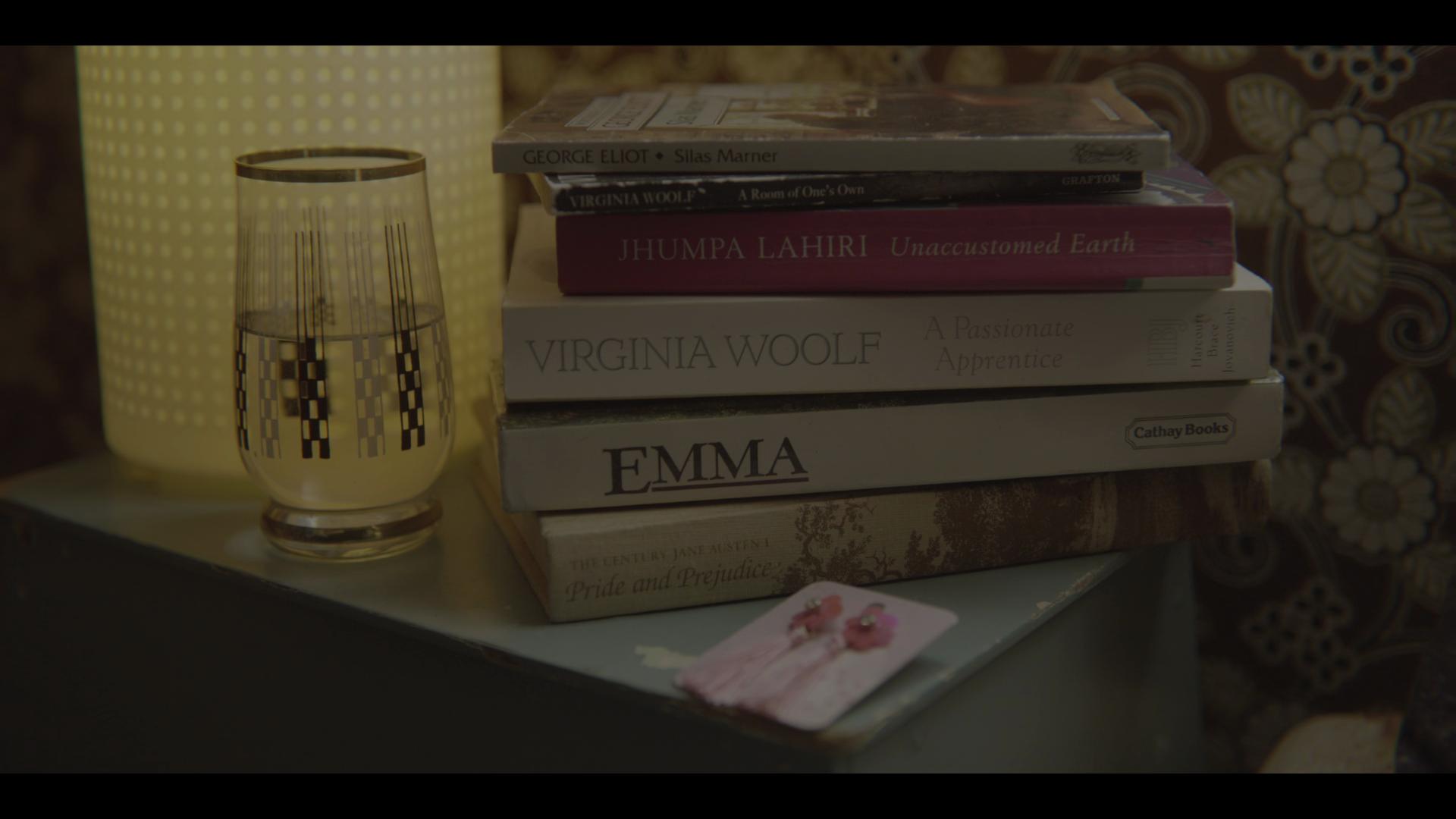Что читает Мэйв во втором сезоне «Полового воспитания». Источник: Netflix