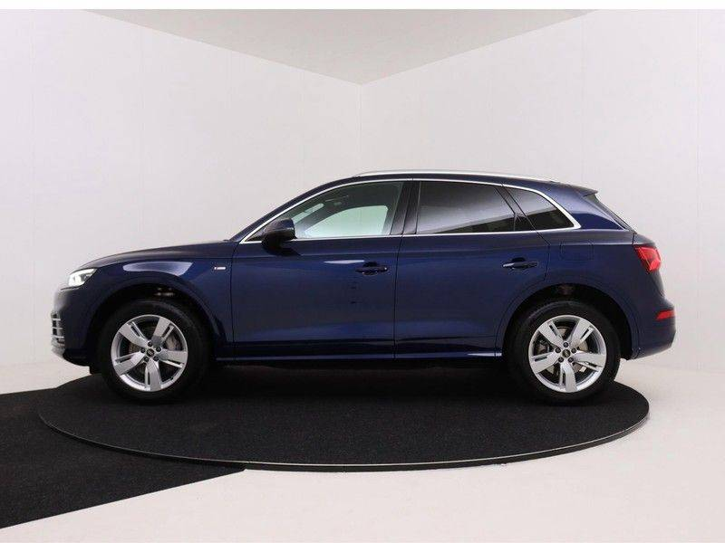 Audi Q5 50 TFSI e 299 pk quattro S edition | S-Line |Elektrisch verstelbare stoelen | Trekhaak wegklapbaar | Privacy Glass | Verwarmbare voorstoelen | Verlengde fabrieksgarantie afbeelding 6