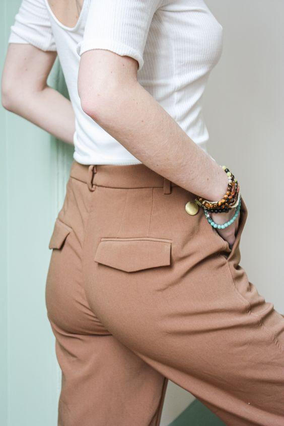 Pantalon de costume femme bien ajusté à la taille