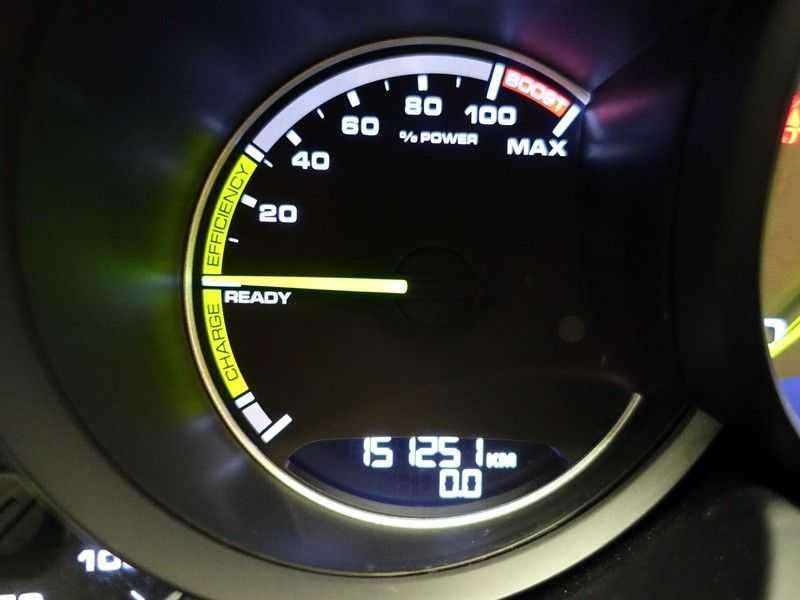 Porsche Cayenne 3.0 S E-Hybrid Sport Chrono 334pk Autom- Panodak, Bose, Leer, Camera, Navi afbeelding 19