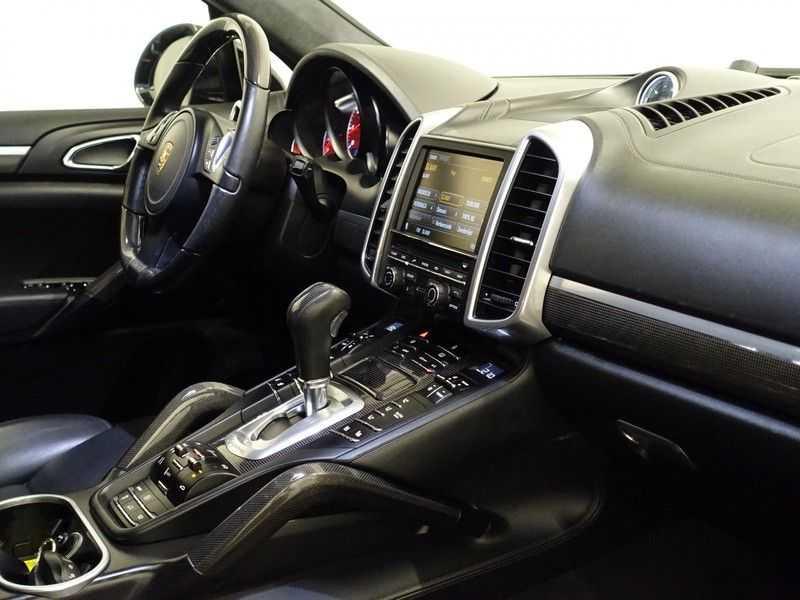 Porsche Cayenne 4.8 Turbo 500pk Designo Tiptr. Aut- Schuifdak, Leer, Sport Chrono, Akrapovic afbeelding 15