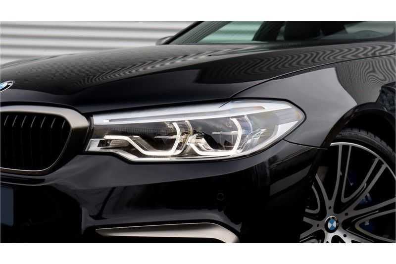 BMW 5 Serie M550i xDrive High Executive Head- Up Display, Schuifdak, Harman/Kardon afbeelding 21