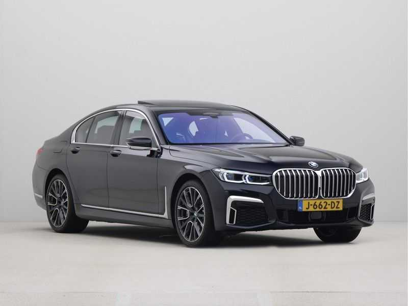 BMW 7 Serie 745e High Executive M-Sport Automaat afbeelding 3