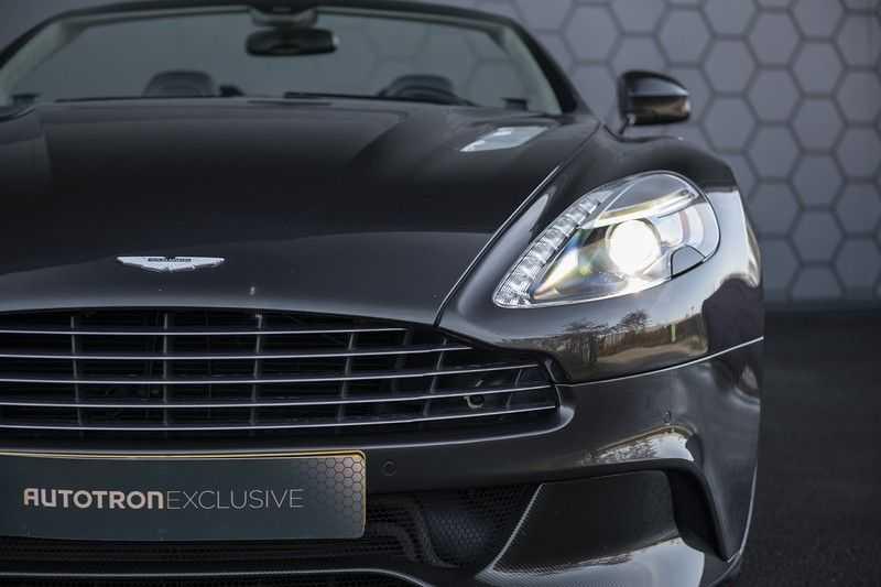 Aston Martin Vanquish Volante 6.0 V12 Touchtronic 2+2 1e eigenaar & NL Geleverd dealer onderhouden afbeelding 14
