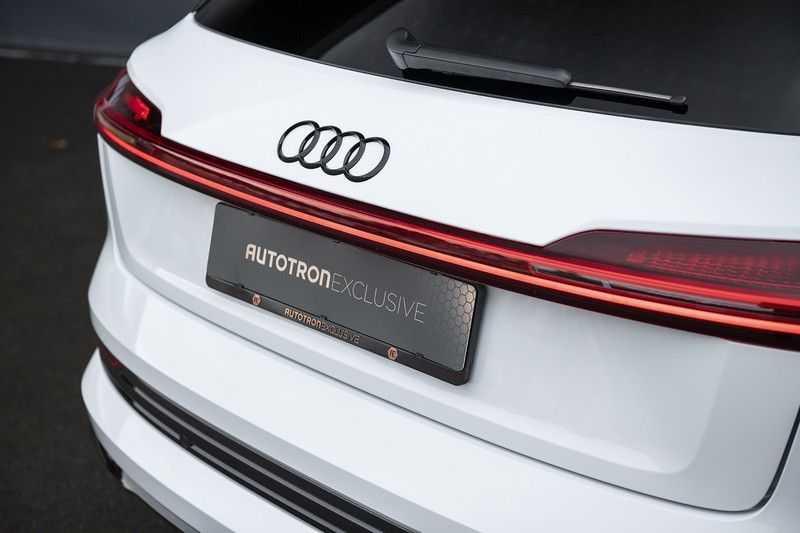"Audi e-tron e-tron 55 quattro advanced Pro Line S 4% bijtelling!! DEC. 2018!! € 146,- netto bijtelling pm! Head-up + B&O etc. Tot januari 2024 4% bijtelling!! Prijs inclusief 22"" velgen afbeelding 18"