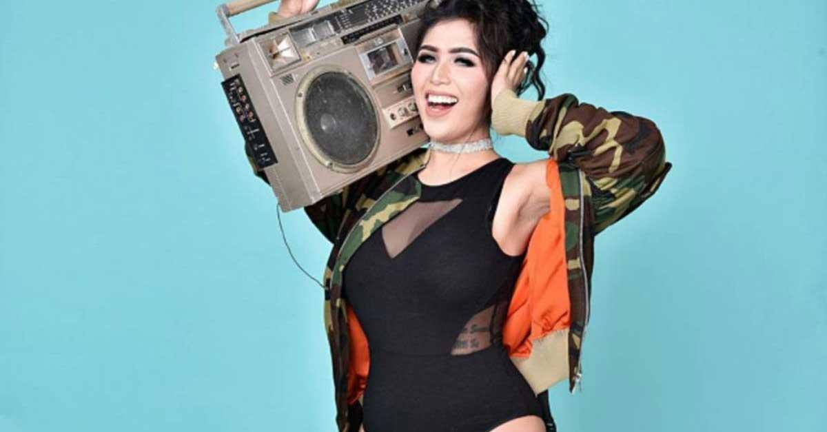 Gallery: DJ Gebby Vesta Selalu Lekat Dengan Pesona