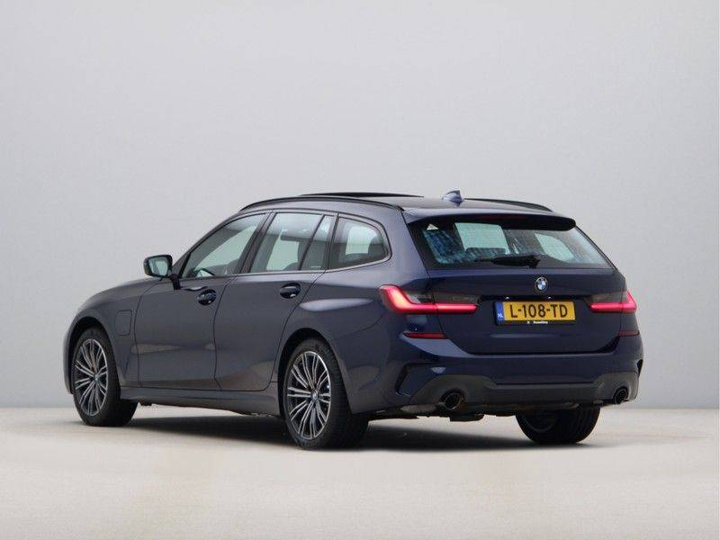 BMW 3 Serie 330Xe Touring High Exe M-Sport afbeelding 11