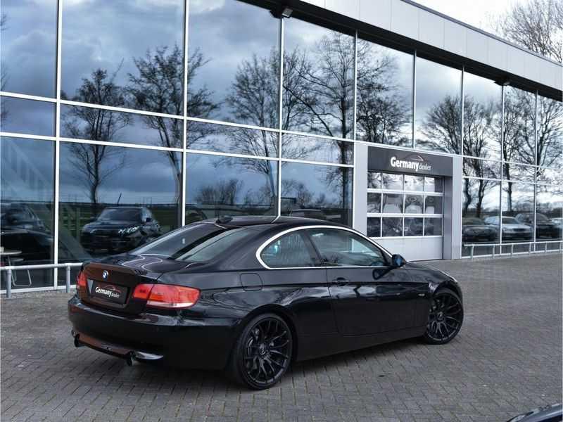 BMW 3 Serie Coupe 335i High Executive M-Perf uitlaat Leer Navi Breyton velgen 1e eigenaar afbeelding 5