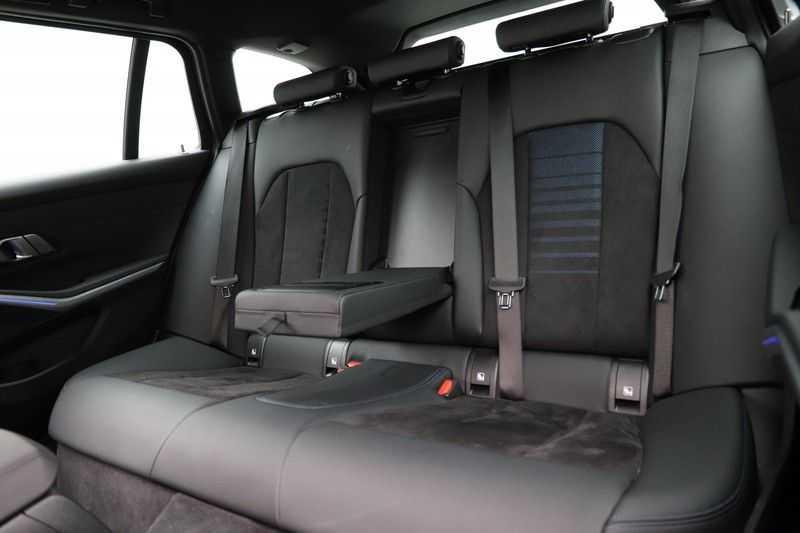 BMW 3 Serie Touring 320i Executive M Sport Aut. afbeelding 19