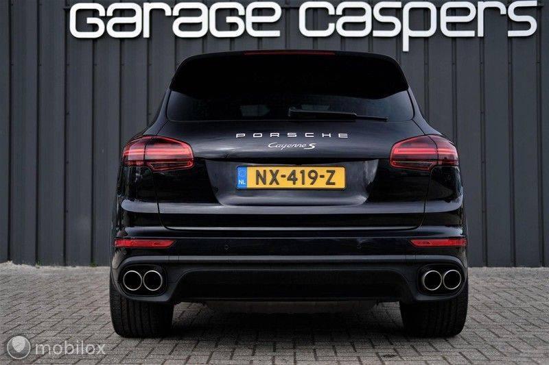 Porsche Cayenne 4.2 D S | Panoramisch dak | Bose | 850 Nm afbeelding 4