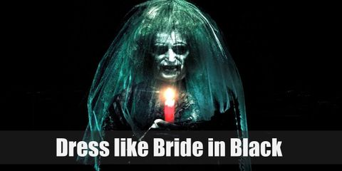 Looking like the Bride in Black and the Lipstick face Red Demon, you'll definitely make people cry in fright. What with their almost all-black outfits and their scary smiles.