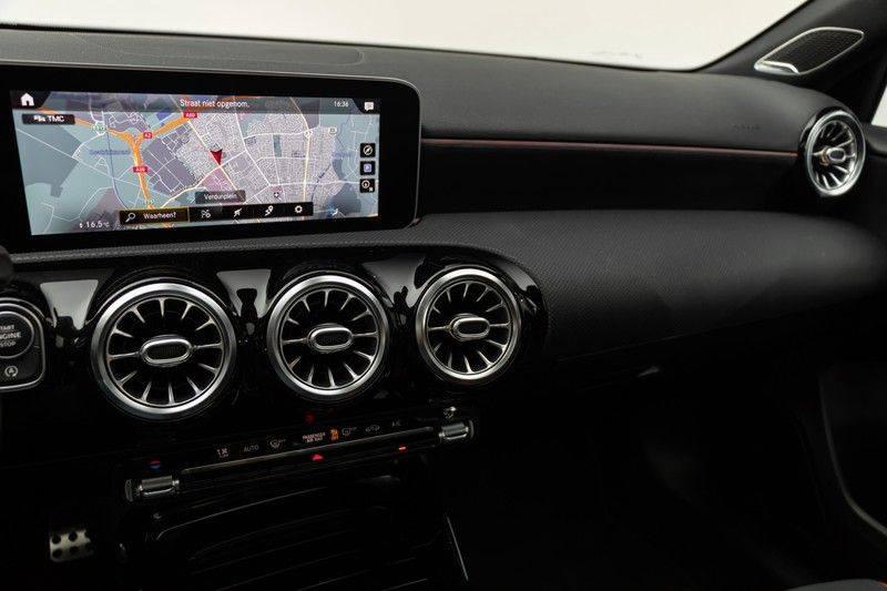 "Mercedes-Benz A-Klasse A35 AMG 306pk 4Matic AeroPack Panoramadak Nightpakket Schaalstoelen+Memory Widescreen Burmester AmbientLight Multibeam RideControl SuperSportStuur ComandOnline Full-Led 19"" Parktronic Camera Pdc afbeelding 25"