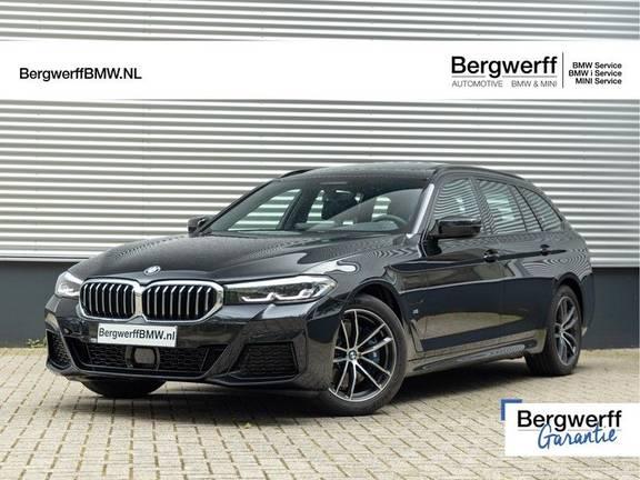 BMW 5 Serie Touring 530e M-sport - Panorama - Harman Kardon - ACC - Trekhaak