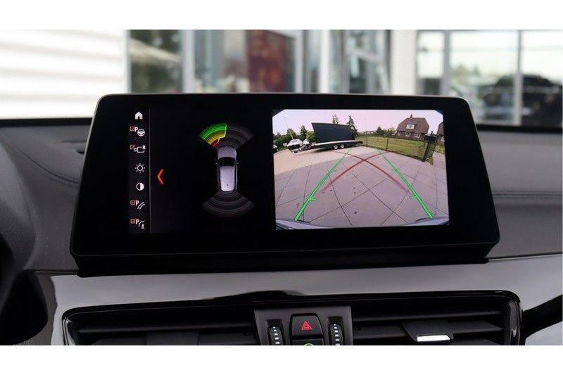 BMW X1 xDrive20i High Executive M Sport Panoramadak, Head-Up Display, Leder, Trekhaak afbeelding 14