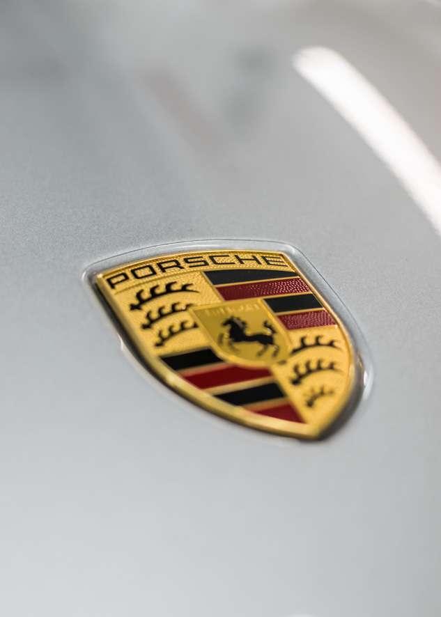 Porsche 911 Carrera image
