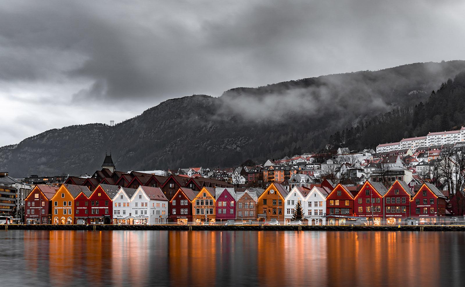 Bergen Norway, Reading Beowulf, Krampus, Gingerbread & More: Endnotes 11 December