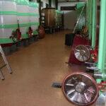 Pavimento in resina impermeabile in una cantina vitivinicola della provincia di Treviso.