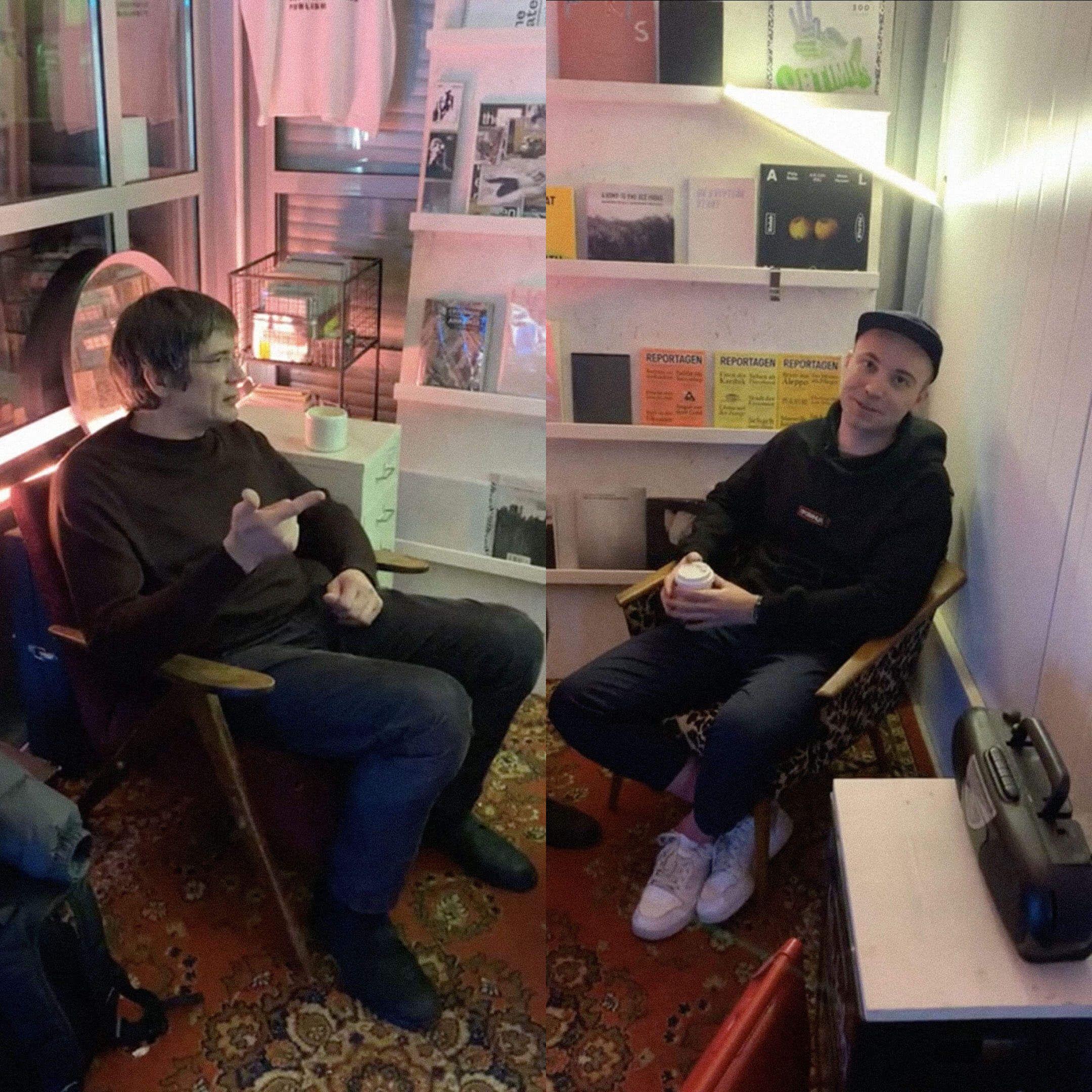 Журналист Даниил Туровский иактер Владислав Копп встретились в арт-пространстве «Угол» / Инстаграм Bookmate