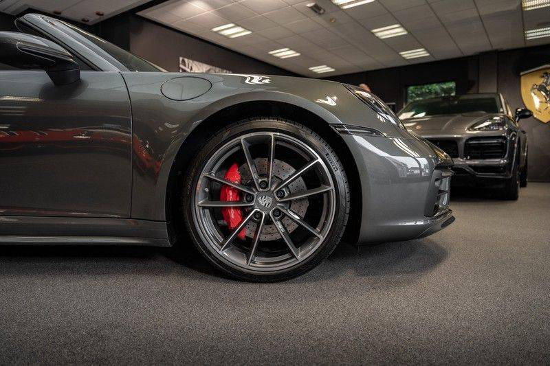 Porsche 911 992 4S Cabrio Unieke Kleurstelling Sport Design Pakket Matrix Carbon 3.0 Carrera 4 S afbeelding 20