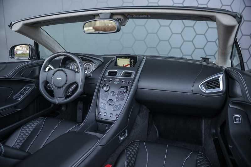 Aston Martin Vanquish Volante 6.0 V12 Touchtronic 2+2 1e eigenaar & NL Geleverd dealer onderhouden afbeelding 10