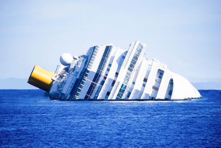 boat capsizing accident in California