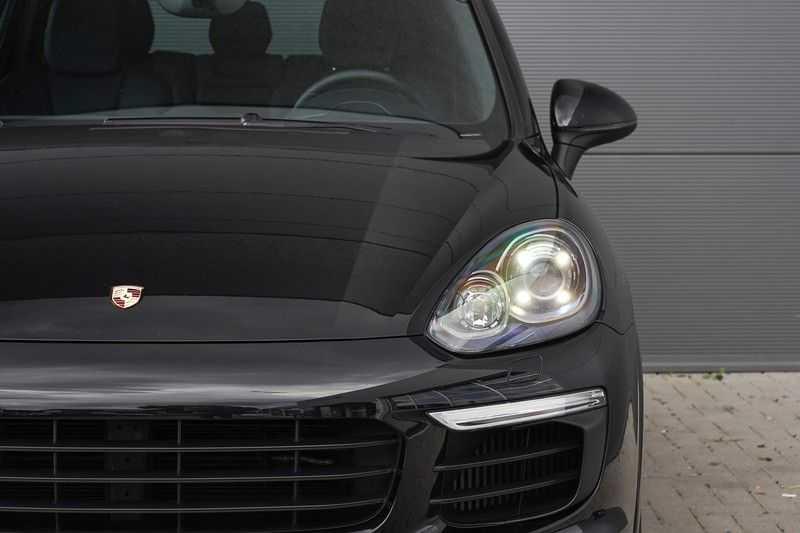"Porsche Cayenne 3.0 D Facelift Sport Design Sportchrono + stoelen Pano 21"" afbeelding 11"