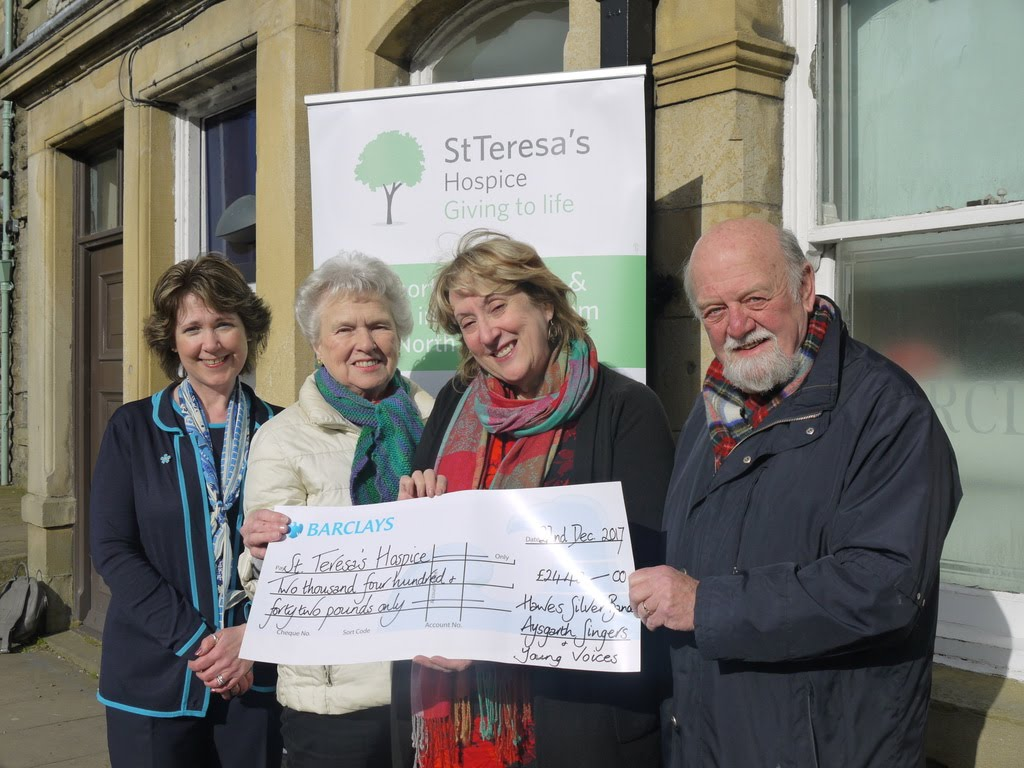 Jackie Tiplady of Barclays Bank, Barbara Roocroft, Jane Bradshaw of St Teresa's Hospice and Stan Roocroft.