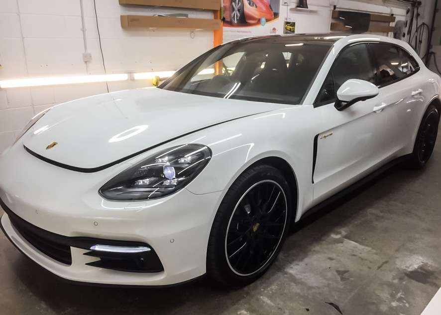 Porsche Panamera E-Hybrid image