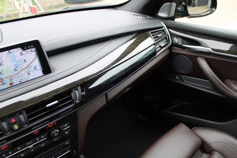 BMW X5 xDrive50i High Executive Pan.dak, Surr. view afbeelding 15