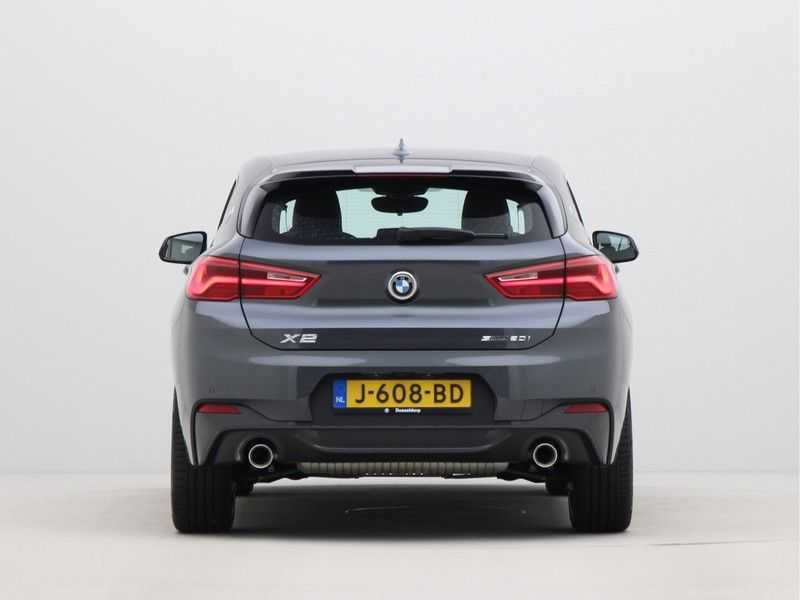 BMW X2 sDrive20i Executive Edition M-Sport Automaat afbeelding 2