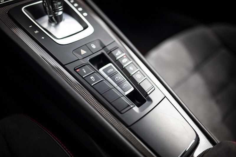 Porsche 911 Cabrio 991.2 3.0 Carrera 4 GTS *BOSE / Liftsysteem / Sport Chrono / DAB / PASM* afbeelding 13