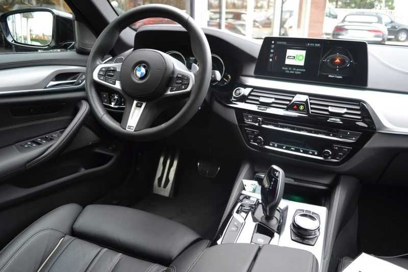 BMW 5 Serie touring 530d xDrive M sportpakket NW 110.000,- afbeelding 7