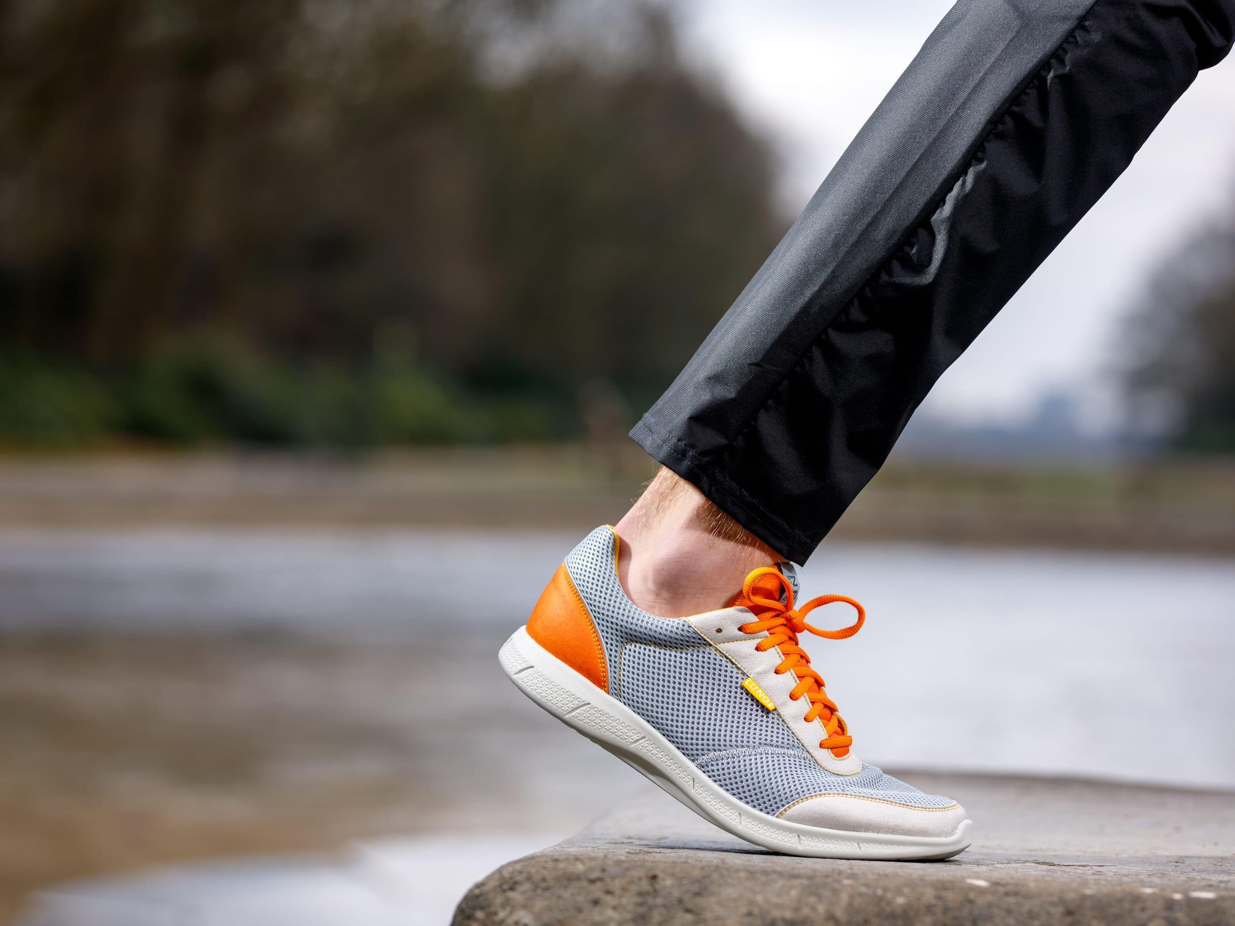 Neo Run (Light Gray/Dark Orange)