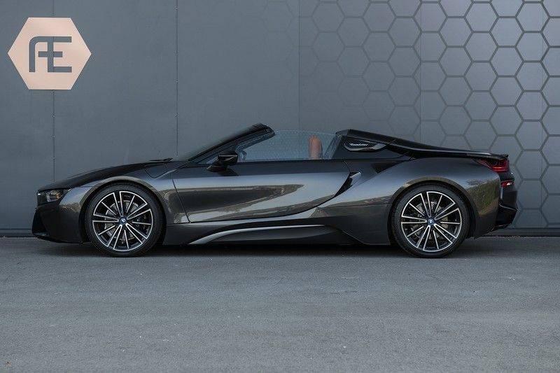 BMW i8 Roadster Dry Carbon, Carbon interieur afwerking, Accaro fijn nappa leder, Progressive package , Laser LED Koplampen afbeelding 3