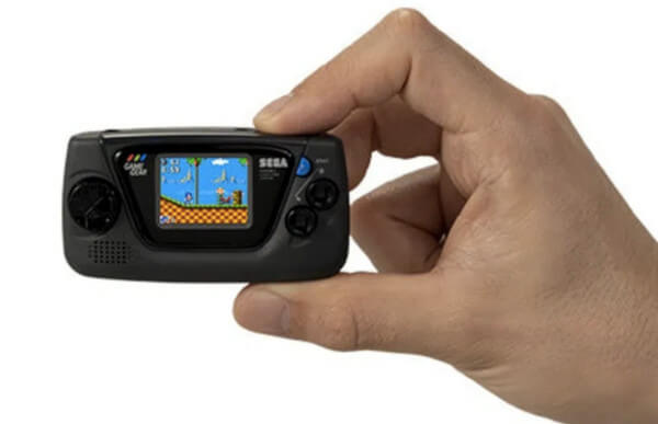 The Game Gear Micro line-up features four devices, in four colours, each with a small subset of games on them