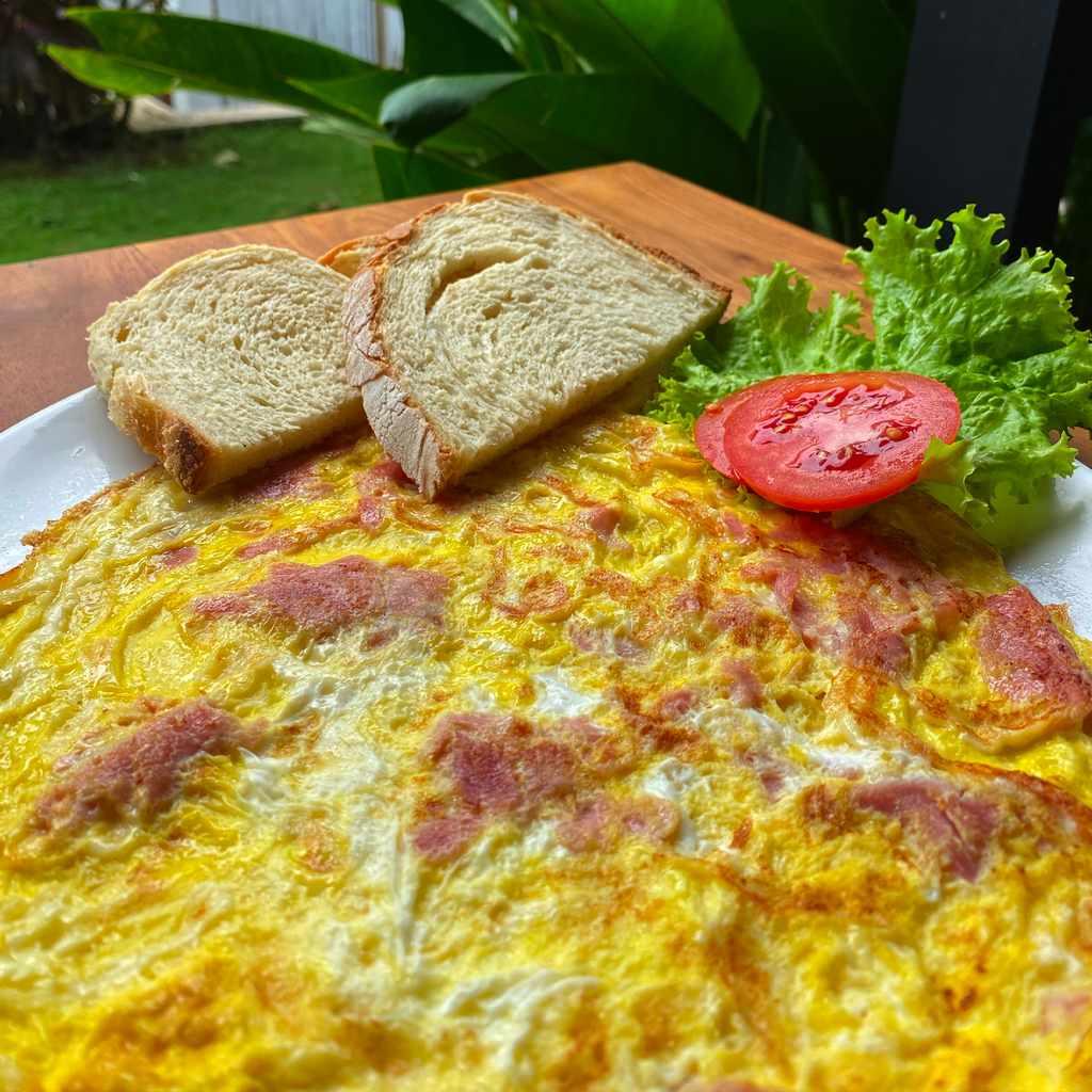 breakfast: cheese ham omelette