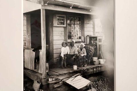 Fumes - Art, Photography, Ideas - 190410_PHOTO_ROKMA_MARTI_FRIEDLANDER_FHE_02