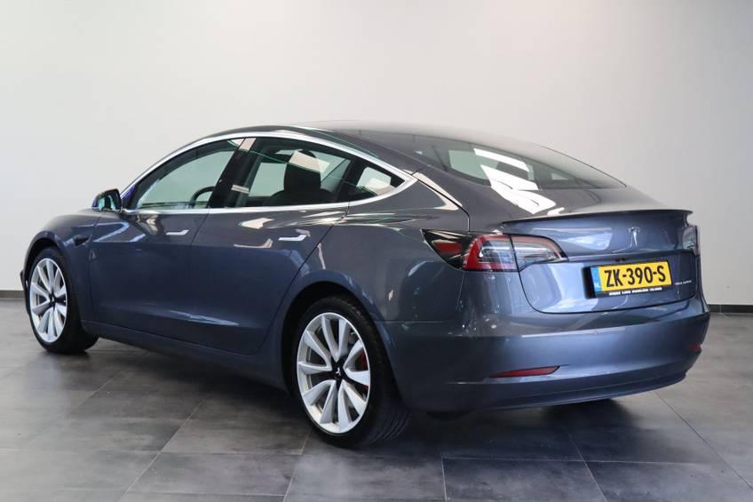 """Tesla Model 3 Long Range   prijs ex.btw 45.889,-   4% 19""""LM Grijs Zwart Performance Look afbeelding 3"""