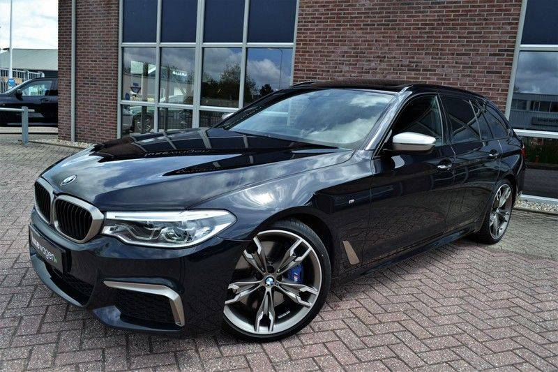 BMW 5 Serie Touring M550d xDrive 400pk Pano Standk ACC 20inch Adp-LED HUD afbeelding 19