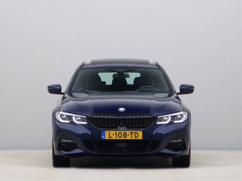 BMW 3 Serie 330Xe Touring High Exe M-Sport afbeelding 6