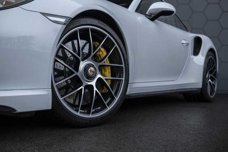 Porsche 911 Turbo S 991.2 3.8 Carbon seats + Keramisch + 4-wiel best. + NP € 331.000,- + Dak + Carbon + Bose + Carplay + ACC afbeelding 25