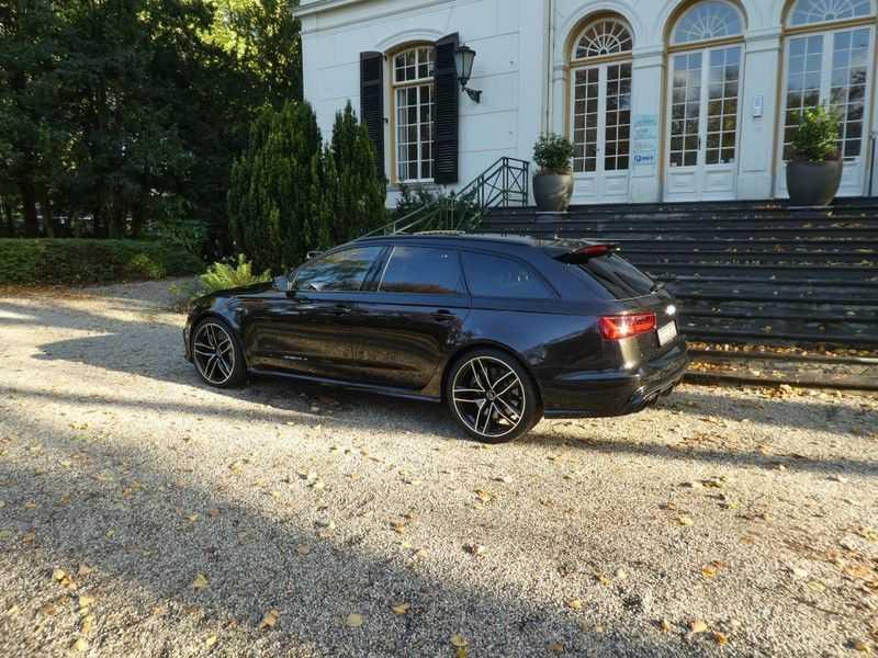 Audi RS6 Avant 4.0 TFSI Performance, Akrapovic afbeelding 12