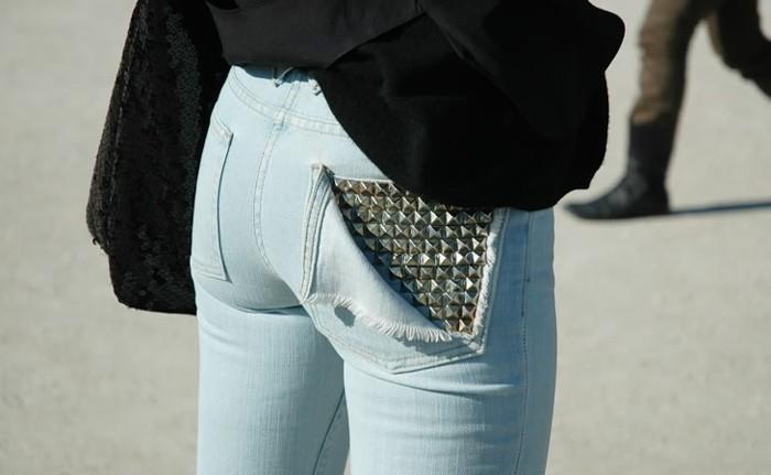 Poche de jean recouverte de studs