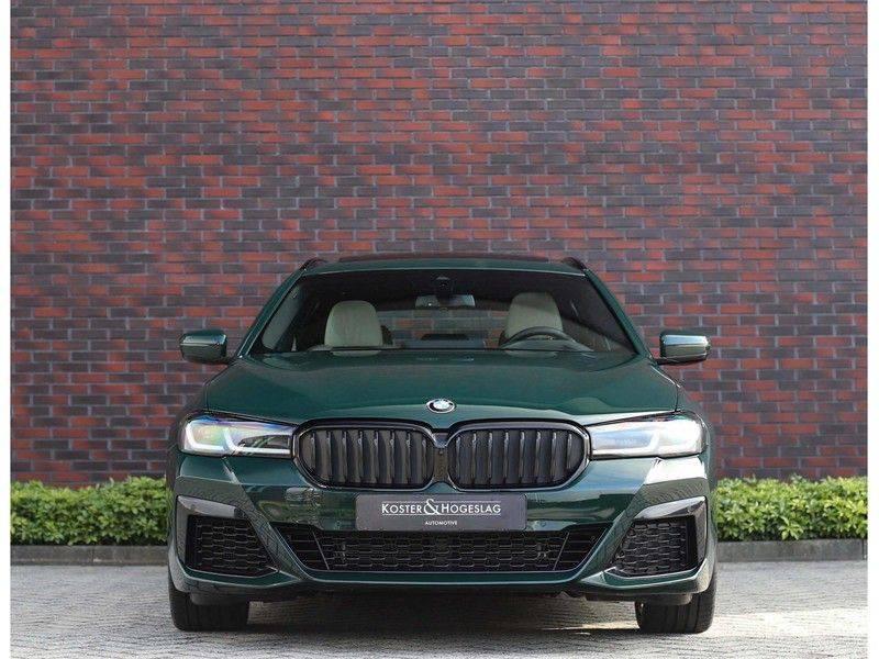BMW 5 Serie 540i x-Drive *British Racing Green*HUD*Pano*Trekhaak* afbeelding 14