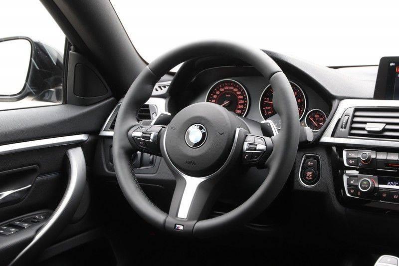 BMW 4 Serie Gran Coupé 420i High Executive M-sport afbeelding 2
