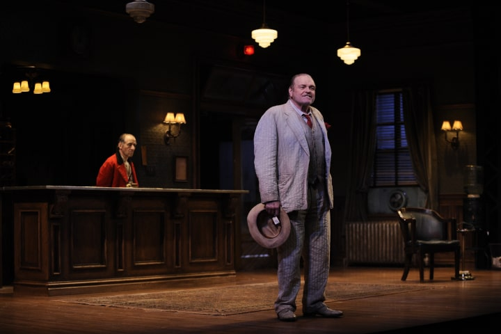"""Robert Thomson's lighting design for the production of """"Hughie"""" at the Goodman Theatre"""