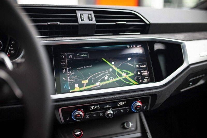 Audi RS Q3 2.5 TFSI Quattro *B&O / Pano / ACC / RS Sportstoelen / Sportuitlaat / Trekhaak* afbeelding 14