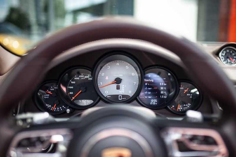 Porsche 911 Cabrio 3.0 Carrera 4S *BOSE / PDLS+ / Vierwielbest. / Sport Chrono / Sportuitlaat* afbeelding 3