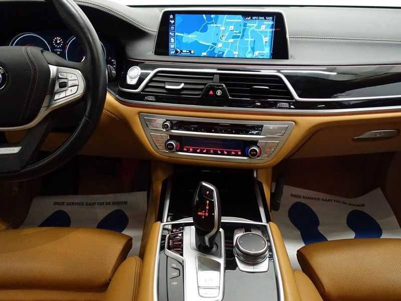 BMW 7 Serie 730d xDrive Individual 266pk M-Sport Aut8 Full options, Nw prijs €163.439,- afbeelding 23